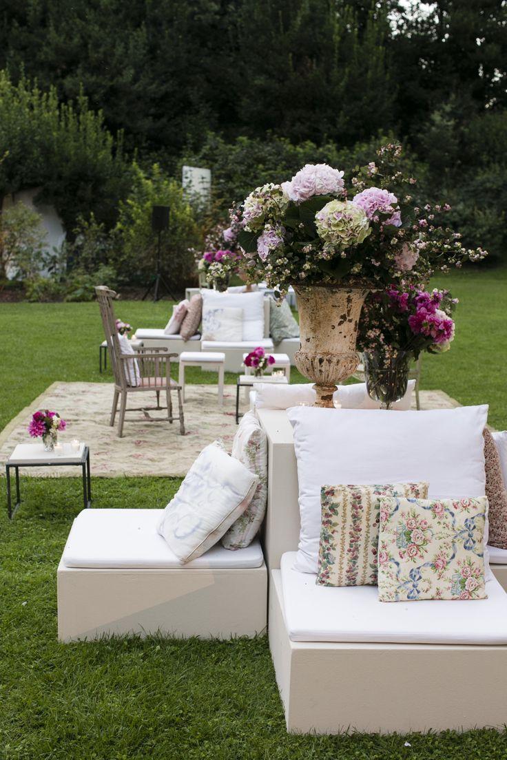 www.italianfelicity.com #wedding #loungesitting #setup