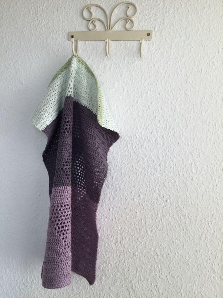 Sødt hæklet håndklæde med harlekin mønster. Opskrift fundet hos Lutter Idyl.