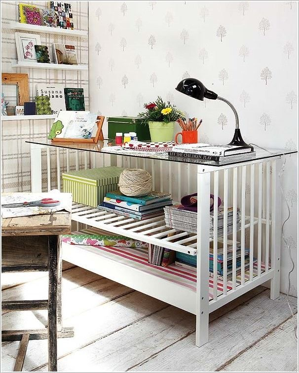 10-best-ways-to-repurpose-baby-cribs #diy #recycling #crib