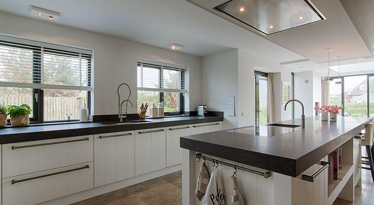 17 best images about keukencreaties bij klanten thuis on pinterest villas dark wood and beach - Open keuken naar woonkamer kleine ruimte ...