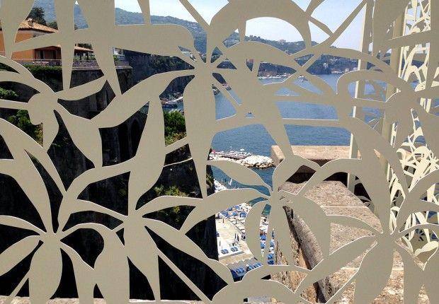 villa_nicolini_sorrento_schermature__laser_cut_terrazza_mare_logical_space_design_03