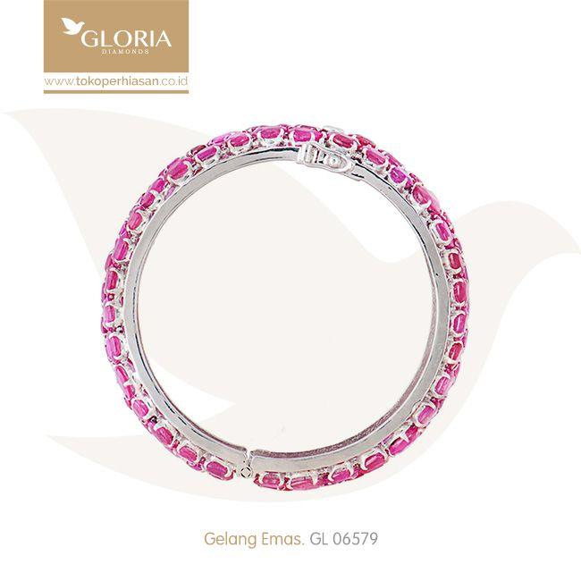 Gelang Emas Putih Variasi Batu Warna Merah Muda. #goldbracelet #goldstuff #gold #goldjewelry #jewelry #bracelet #perhiasanemas #gelangemas #tokoperhiasan #tokoemas
