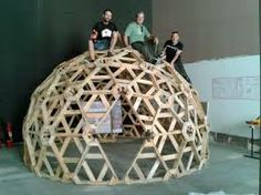 Very clever..... Difficult... Pallet geodesic dome.... Challenging...