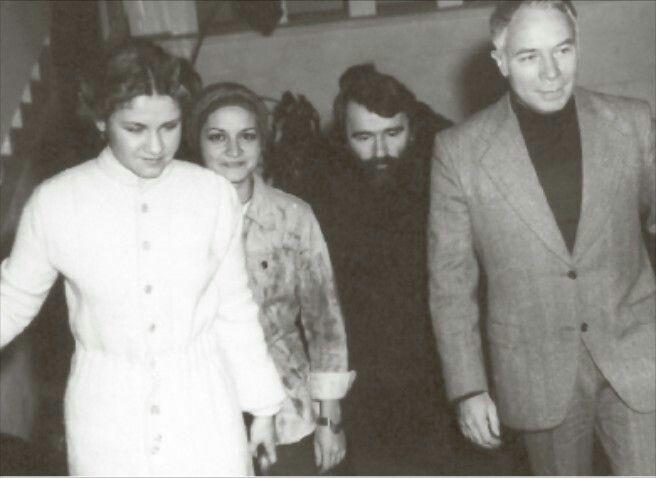 Ioana Diaconescu,Magda Carneci,Ion Horea,Ion Hobana,1976. Foto Ion Cucu.Fototeca Romaniei literare.