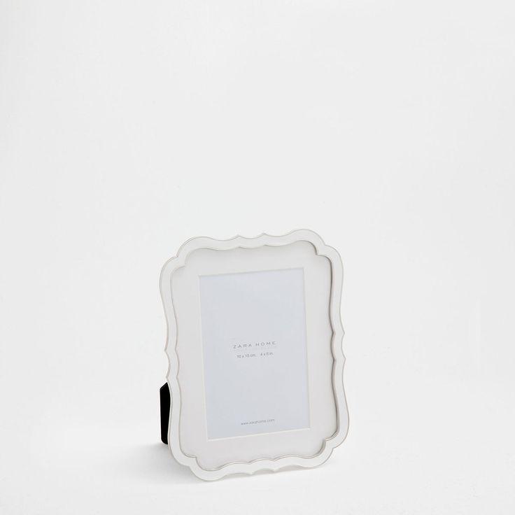 Εικόνα 1 του προϊόντος Κορνίζα με ρομαντικό στυλ