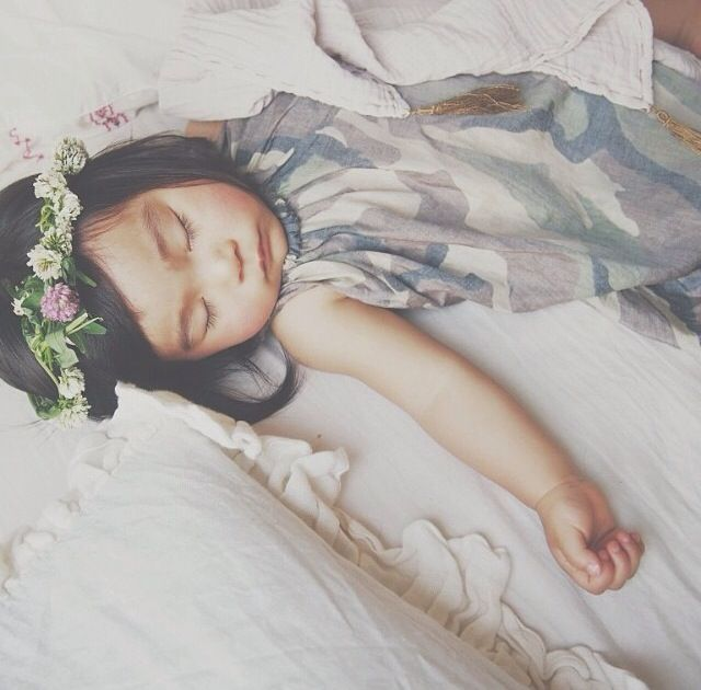 sleeping beauty #kidsfinest #warriorbowdress #kidsonthemoon photo m_izu_8 instagram