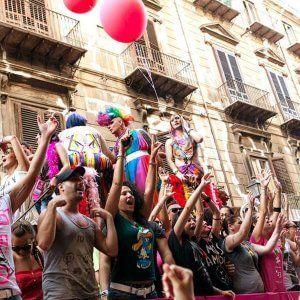 Offerte di lavoro Palermo  Fino al 18 aprile sarà possibile manifestare l'interesse per l'organizzazione di mostre spettacoli convegni seminari concerti e qualsiasi altra iniziativa...  #annuncio #pagato #jobs #Italia #Sicilia Palermo aperto il concorso di idee per il Pride