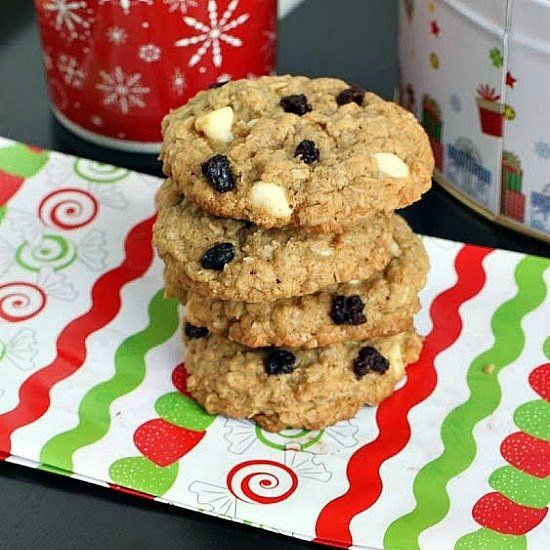 Cookies with White Chocolate Chips and Dried Black Currants. | Cookies ...