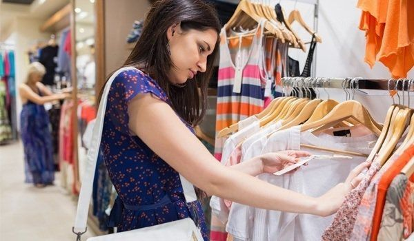 If you've seen the movie, Confessions of a Shopaholic, you would realize how dangerous it can be to shop around randomly without a proper planning. Shoppin