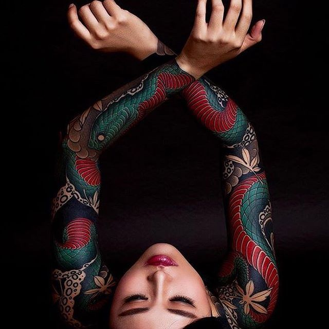 Japanese tattoo sleeves by @diau_bo.  #japaneseink #japanesetattoo #irezumi #tebori #colortattoo #colorfultattoo #cooltattoo #largetattoo #armtattoo #tattoosleeve #girltattoo #snaketattoo #mapleleaftattoo #wavetattoo #naturetattoo