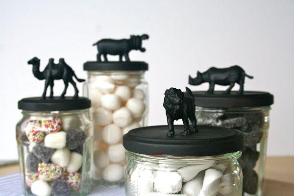 bocaux avec couvercles animaux en noir