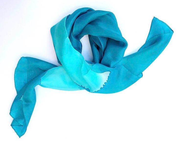 Soft waves around your neck. Emerald silk shawl from Air collection. #minimalist #slowfashion #elegance #purity #emerald #softfeel #air #silkscarves #luxurygifts #etsyseller #selyemkendő #magyardivat #designerfashion #ikozosseg #magyartervezo #divat #womensfashion