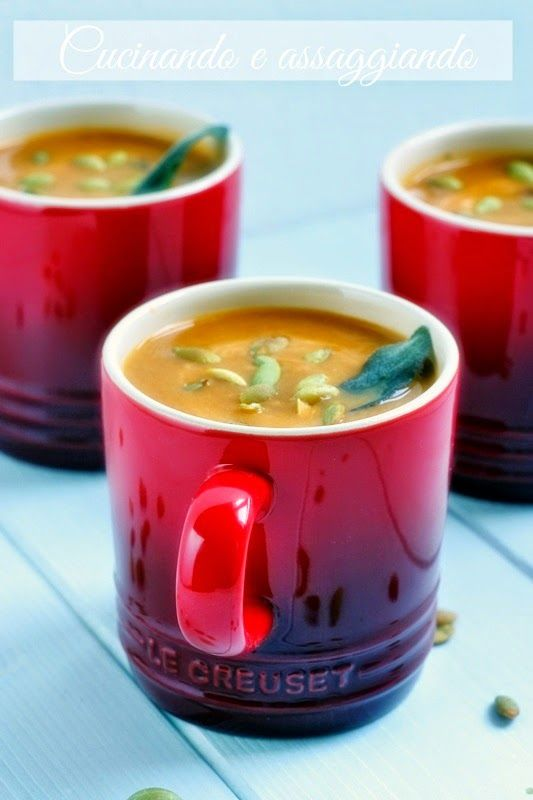 """Zuppa di zucca e porro alla cannella - ricetta tratta dal blog di Tiziana:""""www.cucinandoassaggiando.com/"""" - Set 3 tazze espresso in gres smaltato colore rosso @LeCreusetItalia #food #cucina #zuppe #zucca #porro #cannella #red #rosso #mug"""