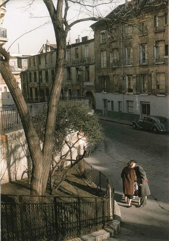 Seuls au monde rue Lepic, en 1956 Photo Willy Roni