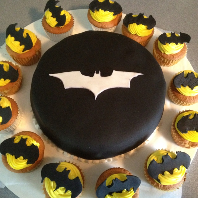 Batman Cupcakes And Dark Knight Oreo Cake