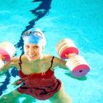 Gli esercizi in acqua : acquafitness, hydrobike e chi più ne ha più ne metta. Tutto quello che si può fare per restare in forma con gli esercizi in piscina