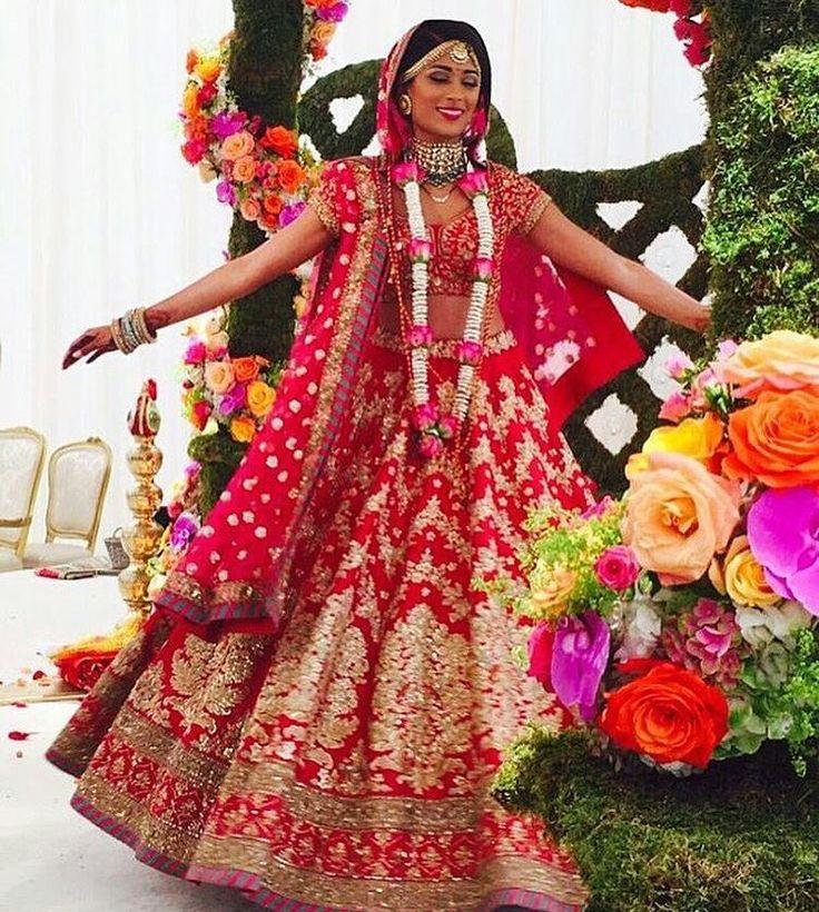 #Sabyasachi #RealBride  #DreamWeddings #RealBridesWorldwide #HandCraftedInIndia  #TheWorldOfSabyasachi @sabyasachiofficial #indianwedding #shaadibazaar #wedding #indianwedding