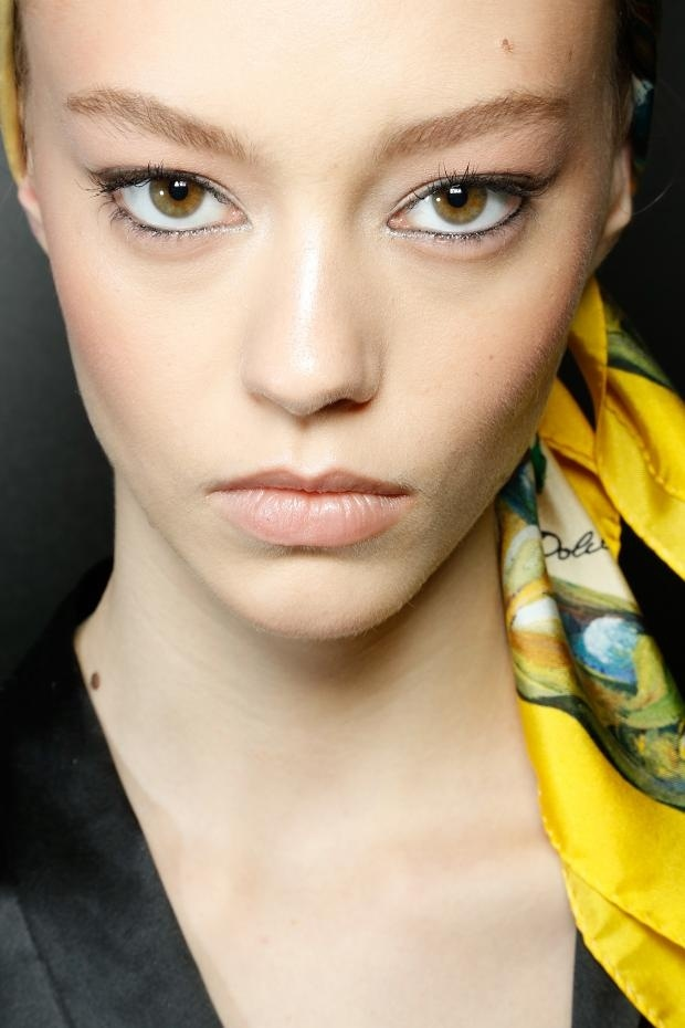 Retro kohl eye makeup at Dolce & Gabbana, S/S '13