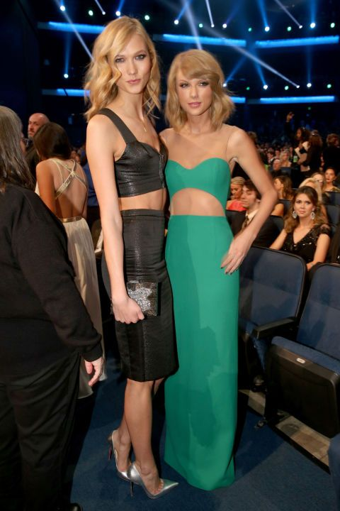 Karlie Kloss and Taylor Swift = cutest besties ever #AMAs
