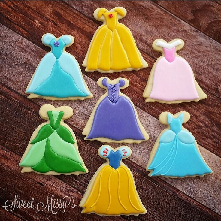 I have this dress cookie cutter! This could be adorable