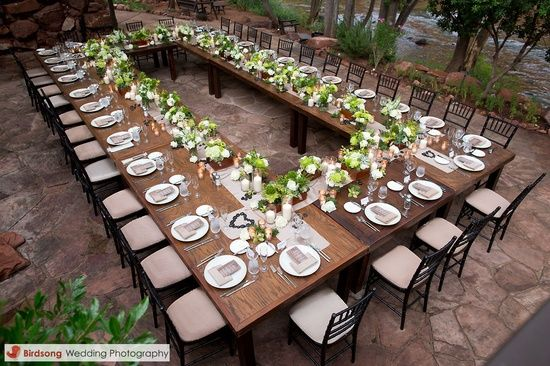 I adore this. I've been doing some intimate wedding research and this how I'd have my table set up at cozy candle lit restaurant.