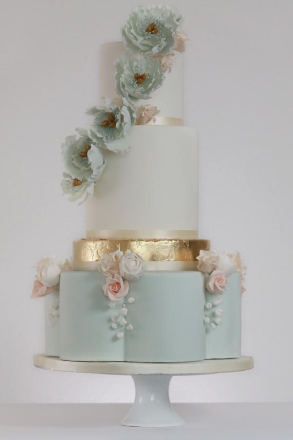 entirely edible wedding cake cake by rosewood cakes