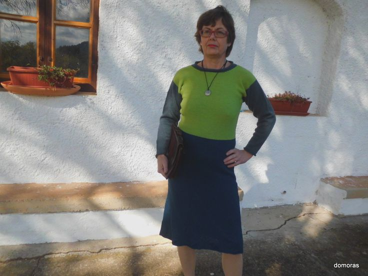 ISPICA, beautiful and comfortable dress or just a skirt in 3-ply weight wool. Do-it-yourself - knitting pattern from domoras