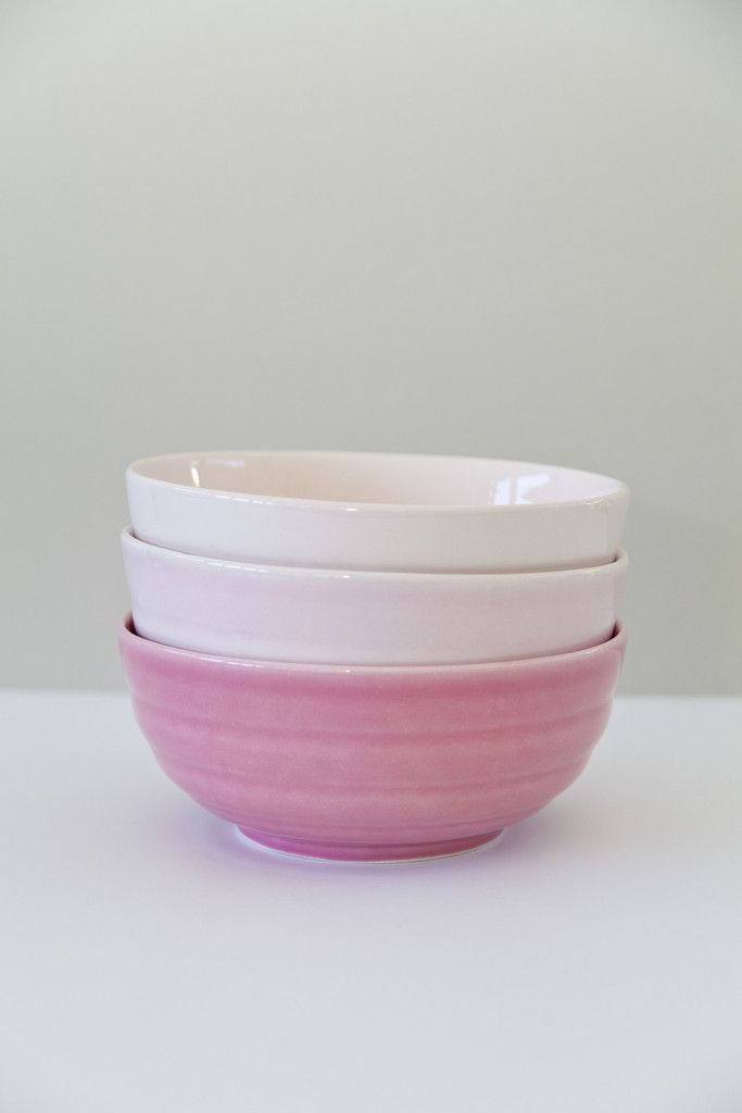 Rose Bowls by Rachel Carley Ceramics. The plump, bibendum curves of this bowl offer an elegant profile to the table. It has a large capacity that will easily accommodate servings for 8-10 people. Available in 13 colours at rachelcarleyceramics.com