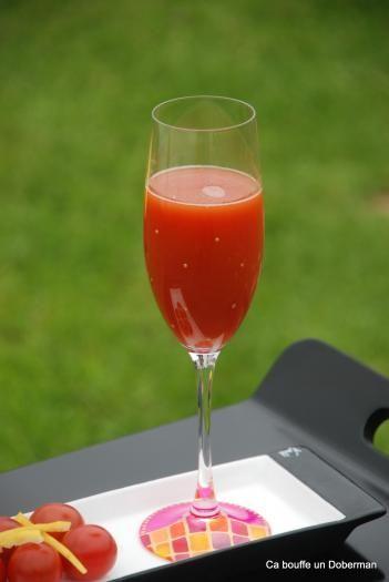 carottes branche de céleri tomates, et citron avec une pointe de sauce anglaise pour relever, ce doit être hyper frais pour l'été