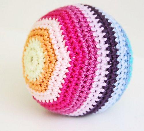 Beginner Crochet Ball Pattern : 25+ best ideas about Crochet ball on Pinterest Crochet ...