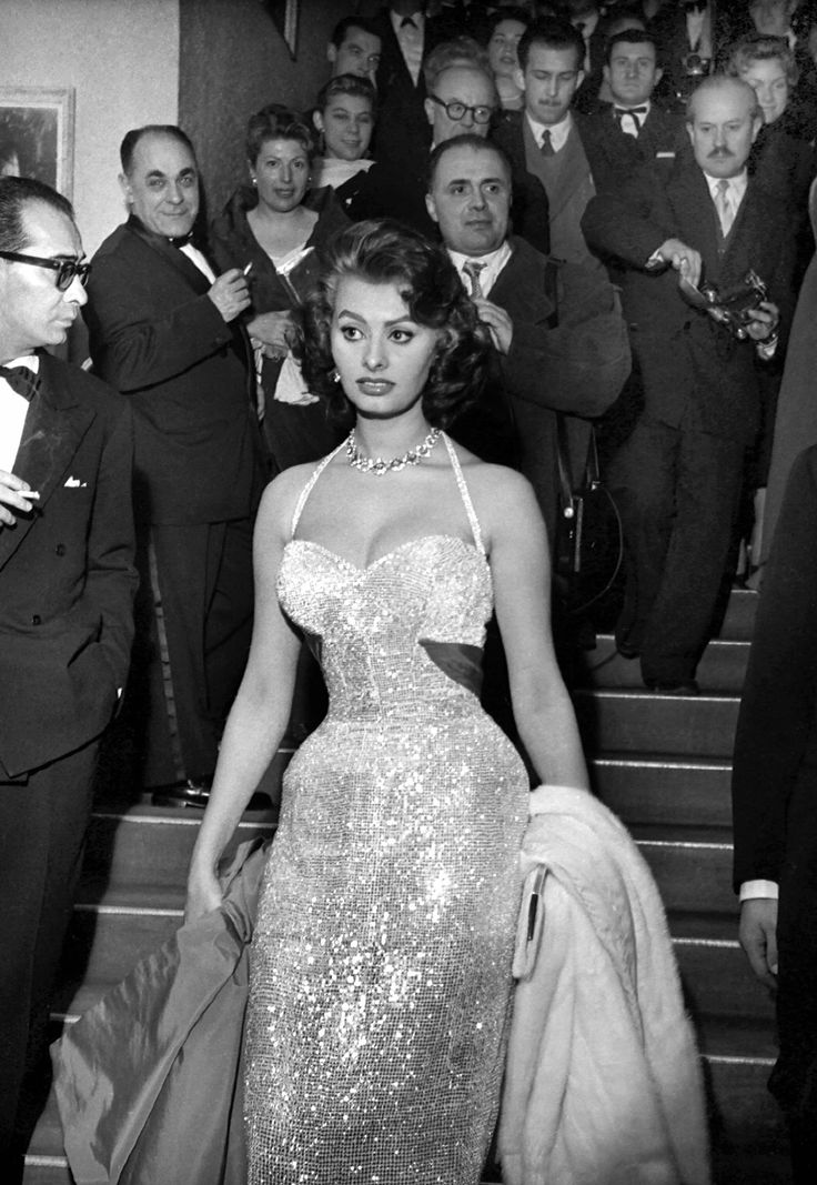 Sophia Loren, Vogue Magazine's, best hourglass figure of all time.