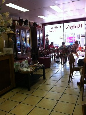 Ruby's Cafe and Books - great atmoshere, a bit quirky!