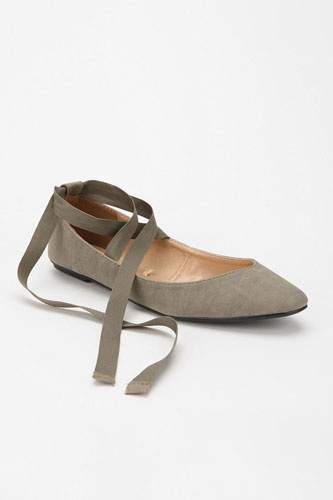 rounded toe and tie up ballet flats.