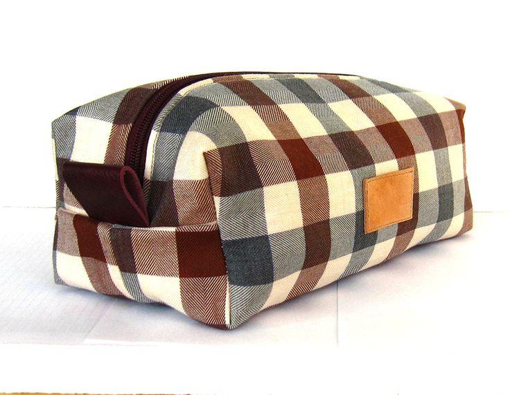 dopp kits for men | Wool dopp kit, men's shaving kit, wash bag, toilet bag, plaid pattern