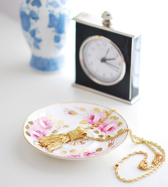 Tea saucers make a great place to store your baubles: http://www.bhg.com/beauty-fashion/fashion/stylish-jewelry-boxes/?socsrc=bhgpin070214teatrimetrinkets&page=1