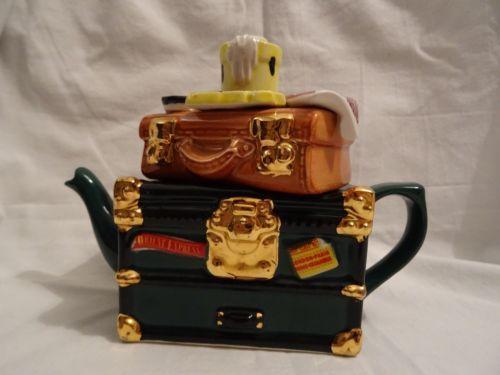 vintage-style-luggage-tea-pot-swineside-tea-pottery
