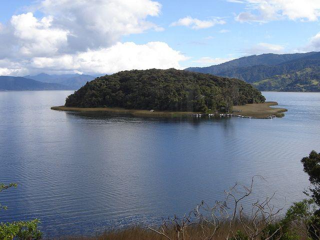 (IMAGENES) ISLA DE LA COROTA | Laguna De La Cocha (por Experiencia Colombia).