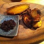 WE ARE THE FARM - 料理写真:朝採れ  根菜 食べ比べグリル:安納芋となんちゃら里芋のグリル