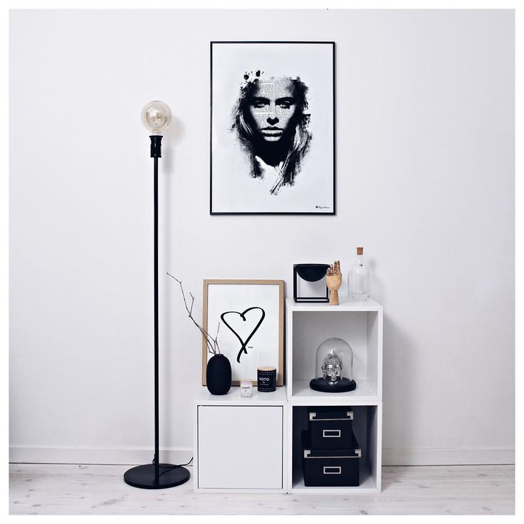 Black and white art🖤 www.peopleoftomorrow.no ____________________________ #poster #artprint #wallart #interior #scandinavianinterior #scandinavianhome #mynordicroom #whiteinterior #nordic #nordichome #home #livingroom #love