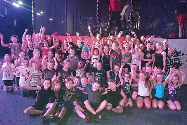 Bedankt @shjdrunen de Jump XL #dinsdag was niet compleet geweest zonder jullie vandaag. Tot Jumps!! ・・・ De turn(st)ers van de selecties zijn het nieuwe jaar ingesprongen! #jumpxl #gymnastics #shjdrunen #turnselectie #trampolinepark #jumpxlwaalwijk