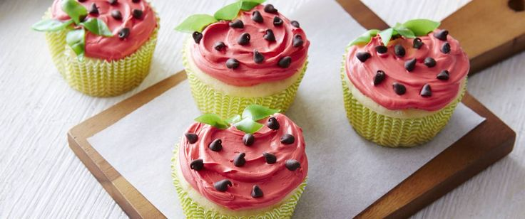Enjoy these delicious strawberry-shaped cupcakes made in a decorative way using…