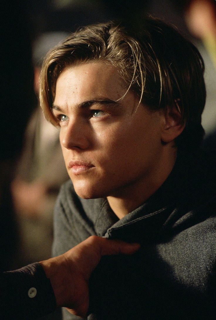 Still of Leonardo DiCaprio in Titanic (1997)