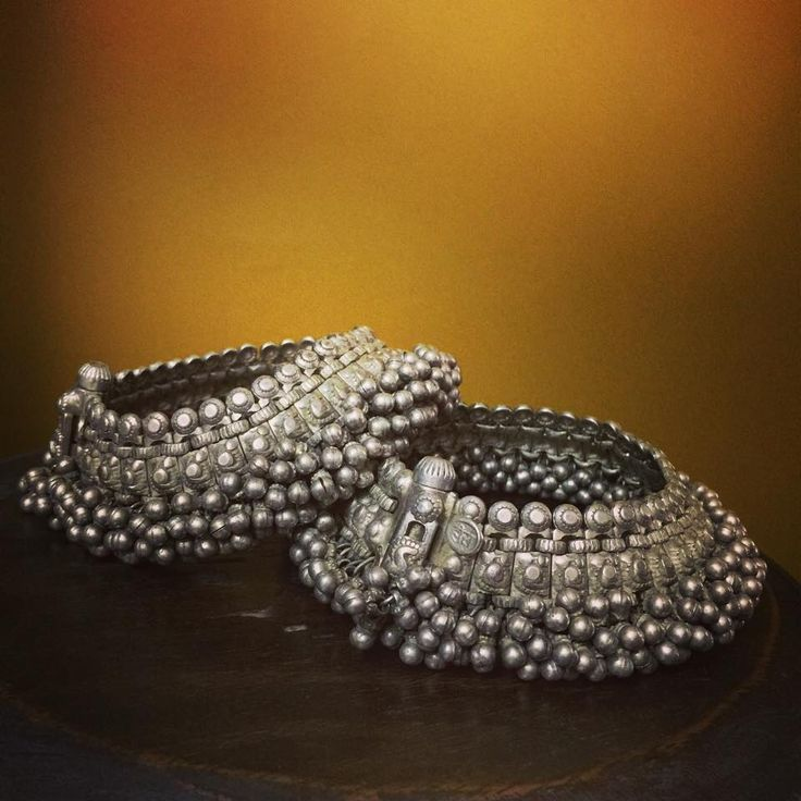 Heavy ultra feminine silver payal