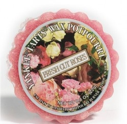 Fresh Cut Roses - An intoxicating English garden of fragrant heirloom roses  Simply place in a wax potpourri warmer (never add water) and light an unscented tea light below, or use one of our electric warmers. As the wax melts, the fragrance is released. Mix and match scents to create your own personal aroma blends