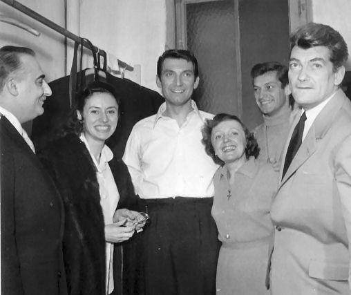 Edith Piaf con Bruno Coquatrix, Caterina Valente, Félix Martin y Jean Marais