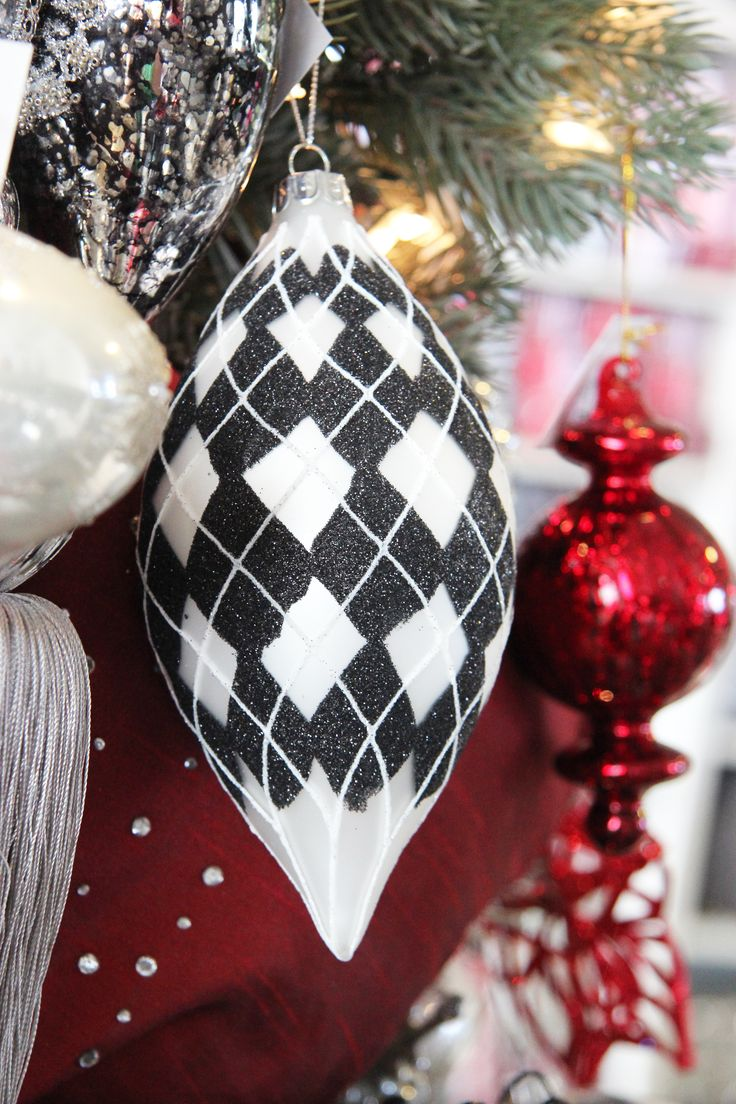 90 best images about black and white christmas ornaments for White tree red ornaments