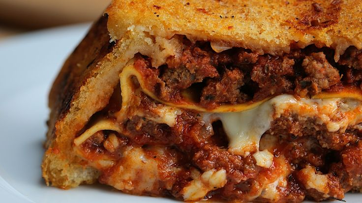 Garlic Bread Lasagna Loaf - Twisted
