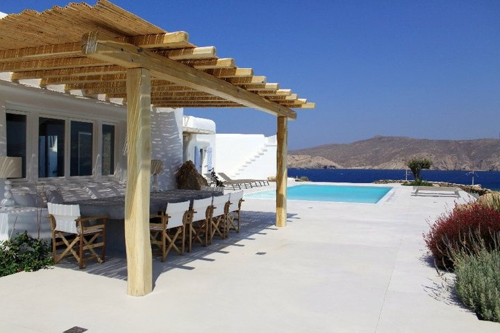 Would you love to wake up here in Mykonos?