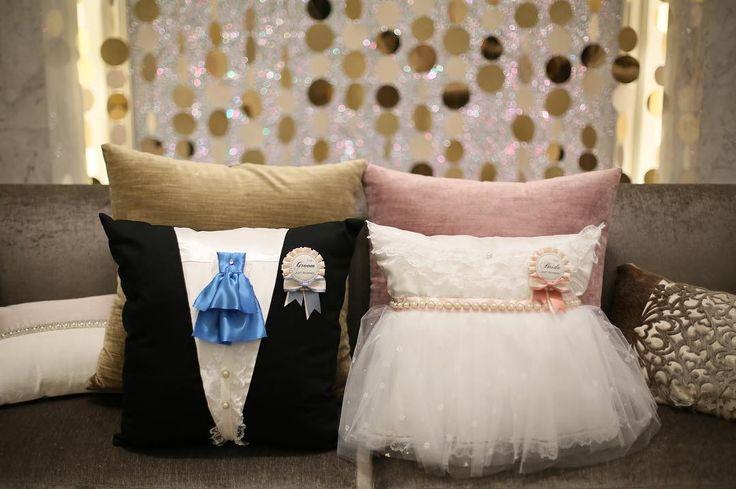 「. 中座の時、高砂に置いたクッション . ママの手作り . 器用で色々と助かる。。。♥️ . . . #結婚式 #結婚式レポ #アニヴェルセル #アニヴェルセルヒルズ横浜