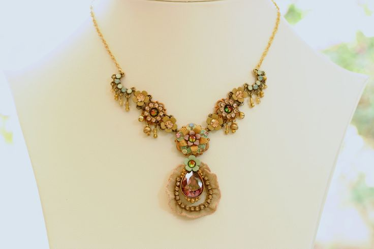Gold Pastels Persian Queen romantic necklace by Orly Zeelon by OrlyZeelon on Etsy